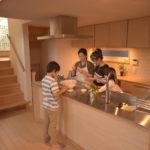 5人で料理できるキッチン